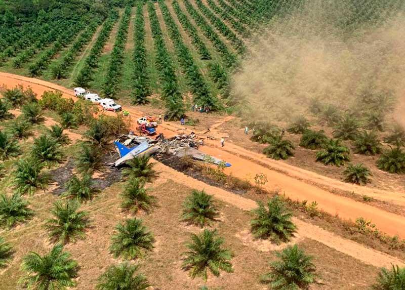 Al menos 12 muertos accidente aéreo en Colombia