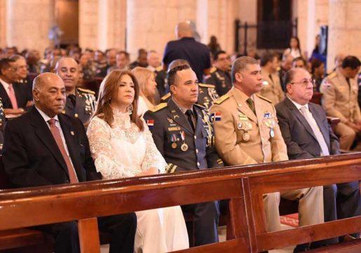 asistentes aniversario policia nacional