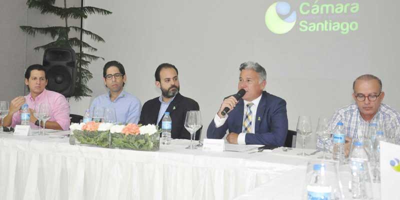 Empresarios prefieren ampliación puerto Manzanillo