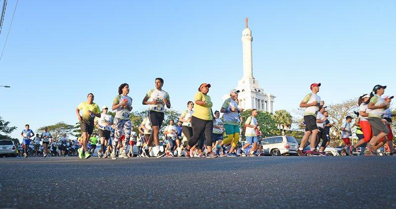 Casi 7 mil personas participaron en Santiago Corre