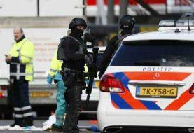 Holanda: Policía busca a turco tras tiroteo en tranvía