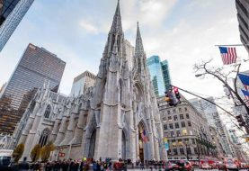 Detienen hombre en catedral Nueva York con botes de gasolina