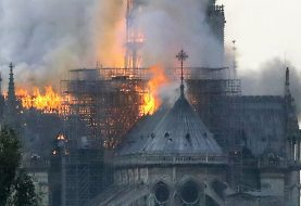 Incendio afecta catedral de Notre Dame de París