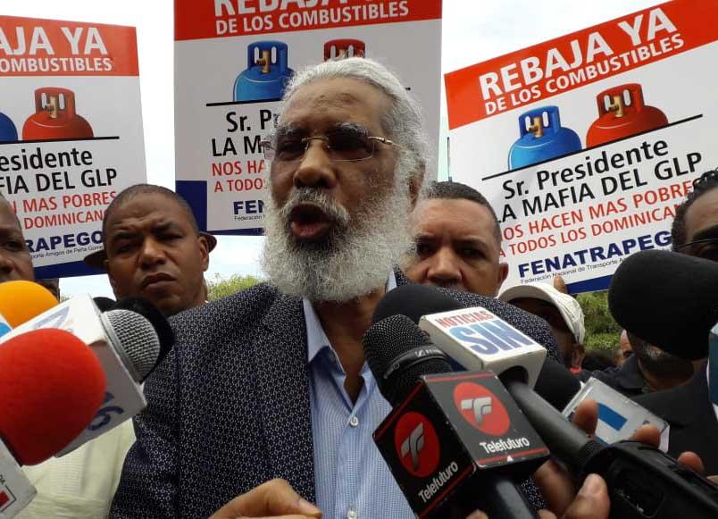 Juan Hubieres deposita querella en contra Ministro Industria y Comercio