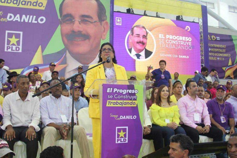Peledeístas Santo Domingo Este realizan acto apoyo a Danilo
