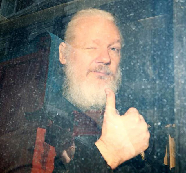 Se complica situación legal de Julián Assange
