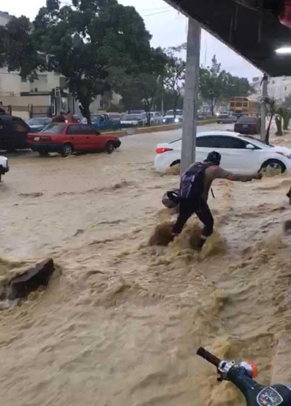 Santiago: 175 viviendas inundadas por las lluvias
