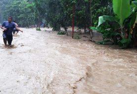 Colapso de puente por lluvias en Pedro García incomunica familias