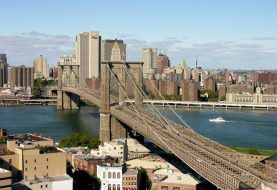 Hombre acorralado por policía NYC se lanza de puente