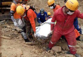 Recuperan quinto cadáver derrumbe Santiago