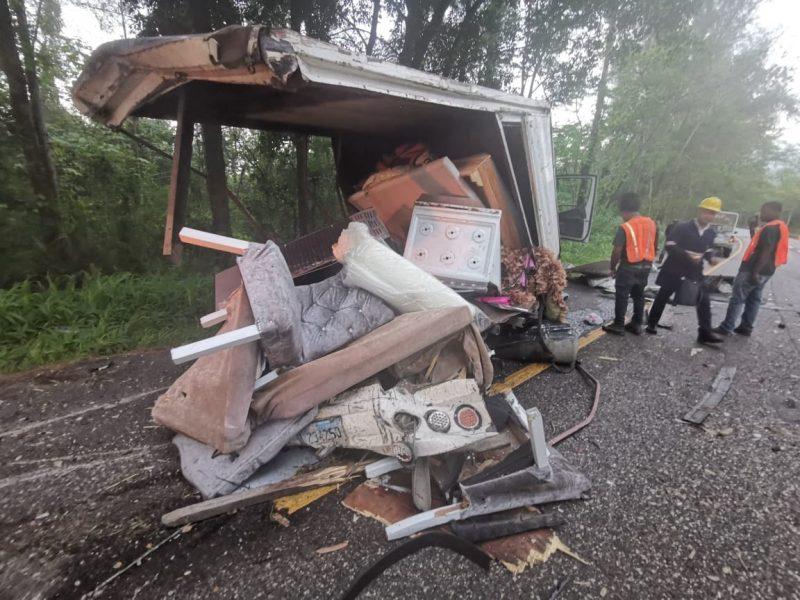 Al menos dos muertos y 3 heridos accidente próximo a Loma Miranda