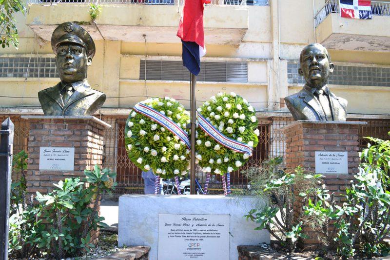 Recuerdan a los héroes nacionales Juan Tomás Díaz y Antonio de la Maza