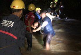Hombre muere ahogado al ser arrastrado por crecida río Camú