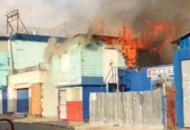 Fuego afecta segundo nivel operaba sastrería