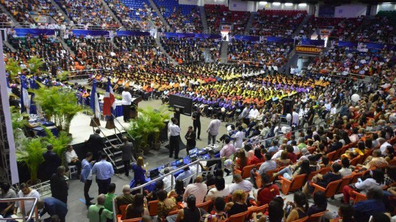 UASD Santiago gradúa 584 profesionales de Grado y del Cuarto Nivel