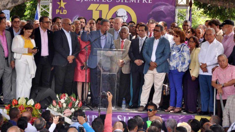 Leonel habla de unidad y respeto a Constitución tumba Bosch