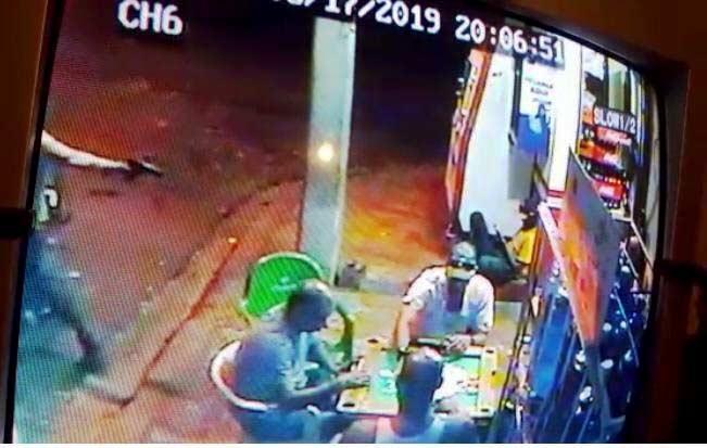 Hieren 3 hombres a tiros en barrio de Santiago