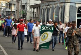 Santiago camina por el Medio Ambiente