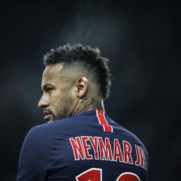 Mujer denuncia a Neymar por una violación en París