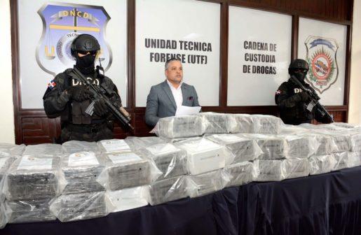 Autoridades incautan 510 paquetes de cocaína