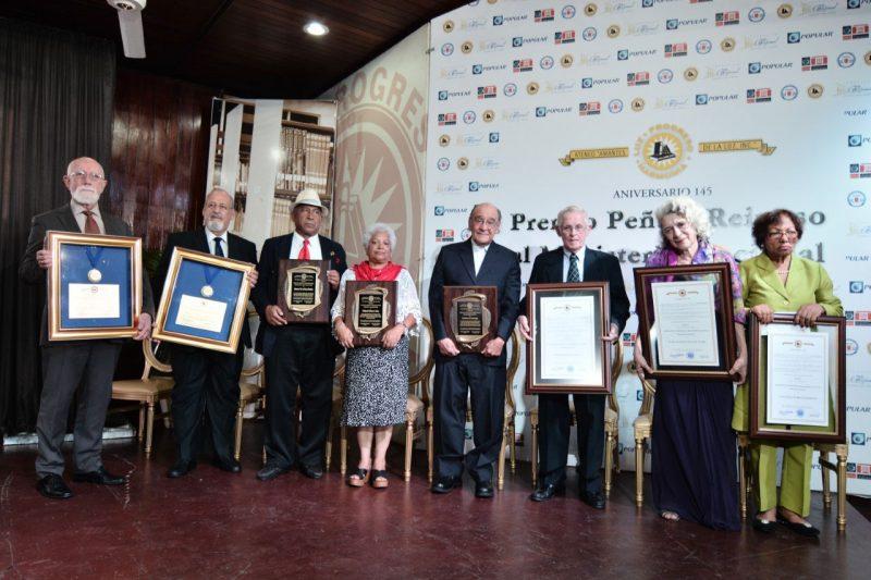 Amantes de la Luz  entrega Premio Peña y Reinoso