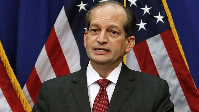 ¿Sabes qué motivó la renuncia del secretario de Trabajo de EE.UU.?