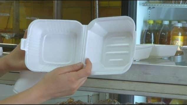 Prohíben en NYC uso envases de poliestireno