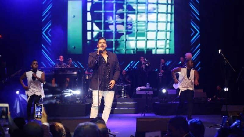 """Jerry Rivera presentó su espectáculo, """"De lujo"""" en RD"""