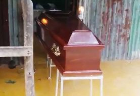 Se niegan a sepultar hombre que murió porque dicen está vivo