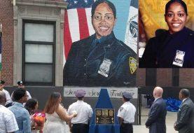 Desvelan mural y placa en memoria a policía dominicana asesinada