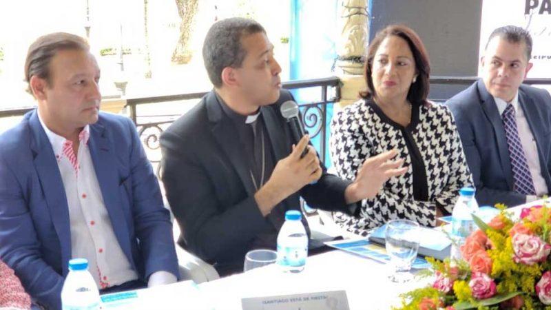 Obispo critica falta de diálogo entre líderes políticos