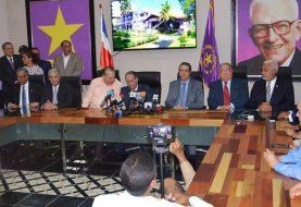 Reeleccionistas exigen a Leonel dejar trabajar al Congreso