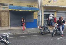 Buscan 2 de 4 hombres asaltaron Vimenca de Ocoa