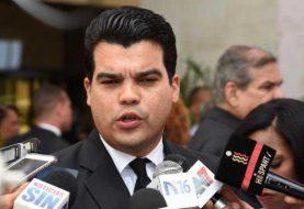 Arnaud: Leonel es un gran impostor constitucional