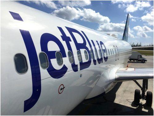 """Resultado de imagen para Avión de Jet Blue desviado por """"un olor inusual"""""""
