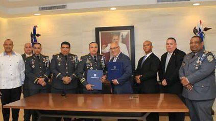 Agencia policial EE.UU y PN-RD firman acuerdo cooperación