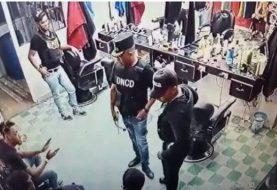 Arrestan exfiscal y 4 agentes DNCD Villa Vásquez