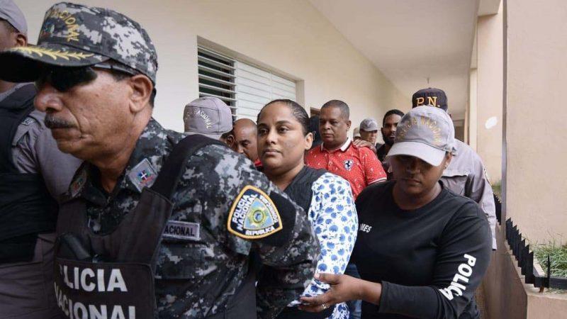 A prisión exfiscal Villa Vásquez y 4 agentes DNCD