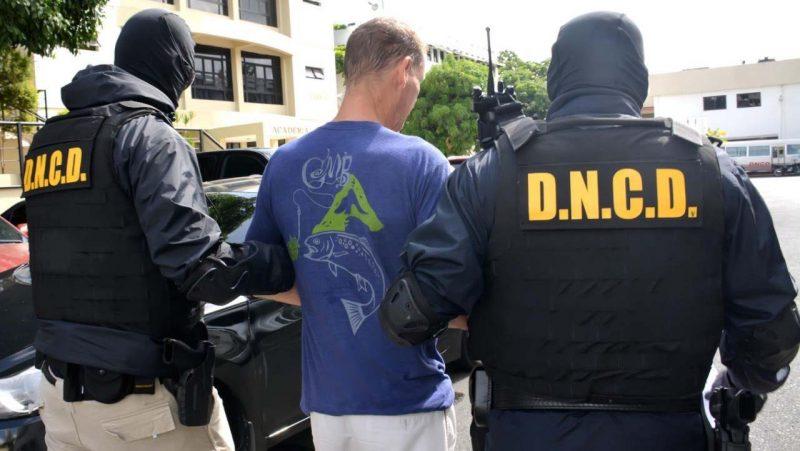 Capturan norteamericano acusado de agresión sexual