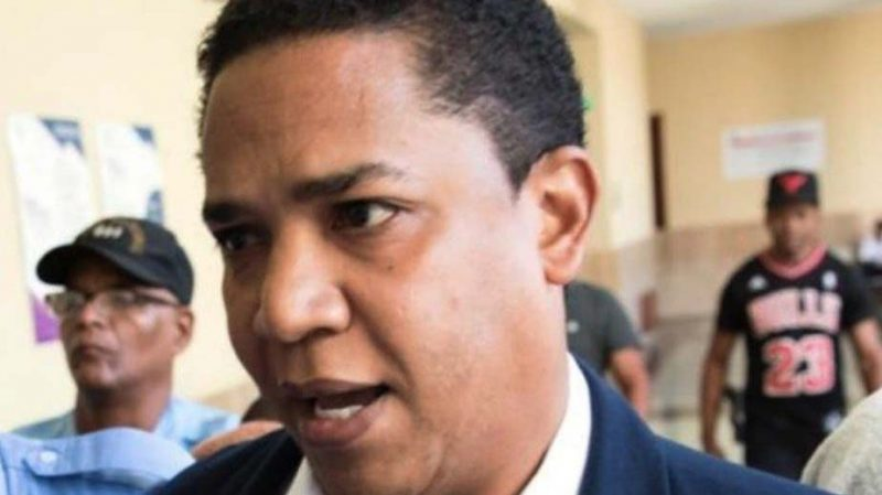 Para el lunes aplazan coerción contra Octavio Dotel