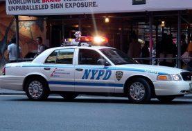 Atacan a balazos patrulla policial en Brooklyn