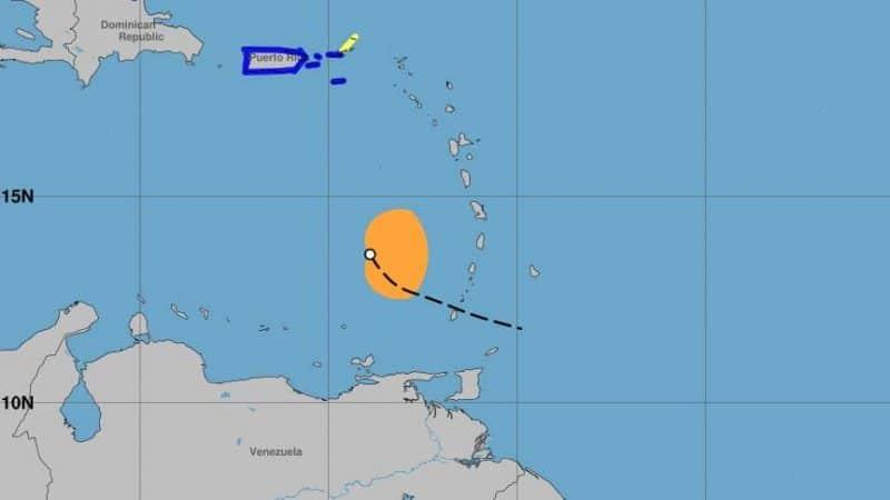 Tormenta Karen se mueve hacia el noroeste desorganizada