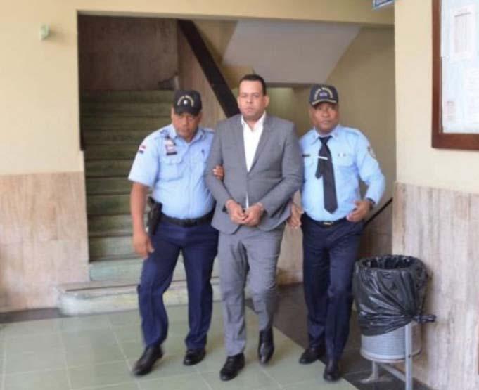 Dictan coerción contra Jaque Mate implicado en el caso César el Abusador