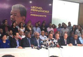 Renuncian 13 secretarios del PLD y pasan a apoyar a Leonel