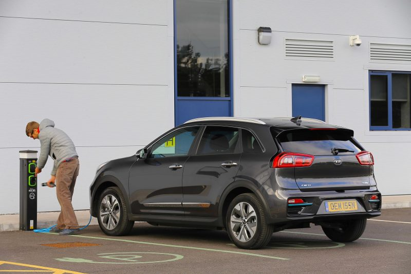 Kia e-Niro gana 'Eco Award' premios Carwow Car of the Year 2019