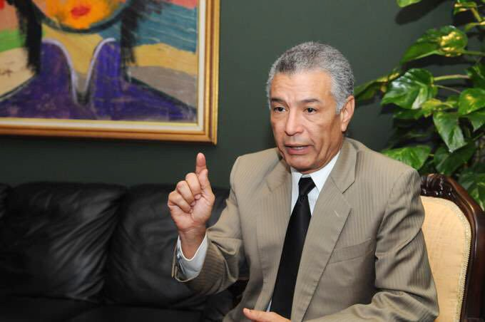 Lockward no cree se pueda impedir candidatura Leonel