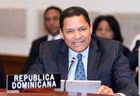 Danilo destituye a Gedeón Santos en la OEA