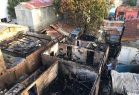 Incendio destruye cinco viviendas ensanche Libertad