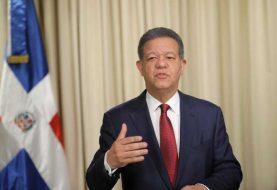 Leonel Fernández anuncia su salida del PLD