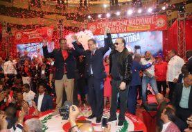 PRSC proclama a Leonel Fernández como candidato